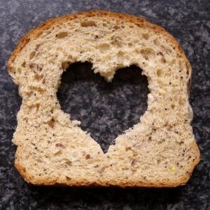 Kisah Ramadhan - Mama dan Sepotong Roti