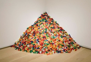 """Untitled"" (Portrait of Ross in L.A.), 1991 © The Felix Gonzalez-Torres Foundation."